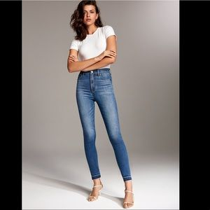 Denim Forum Lola High Rose Crop